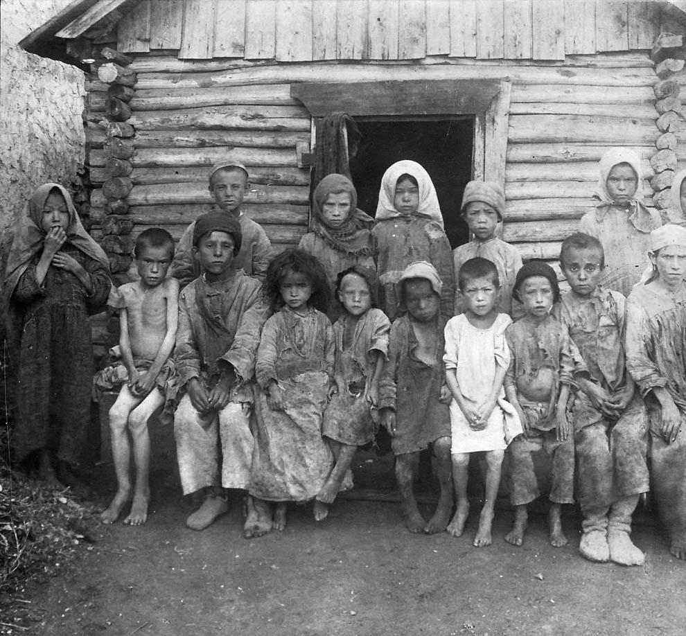2736 Россия во мгле: 1921 1923 годы глазами западных фотокорреспондентов