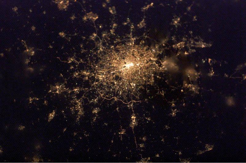 2743 Ночные города. Вид из космоса.