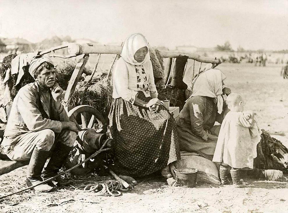 2833 Россия во мгле: 1921 1923 годы глазами западных фотокорреспондентов