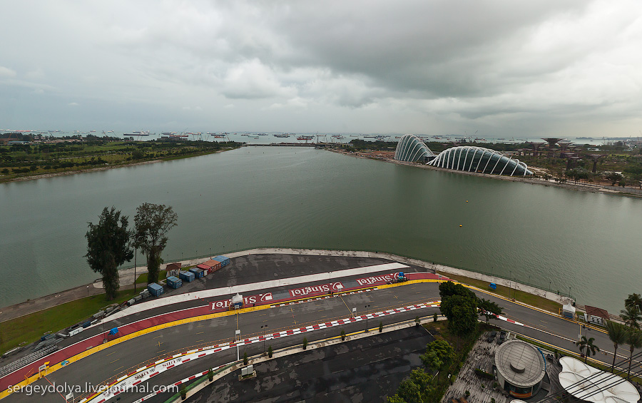 3010 Сингапур