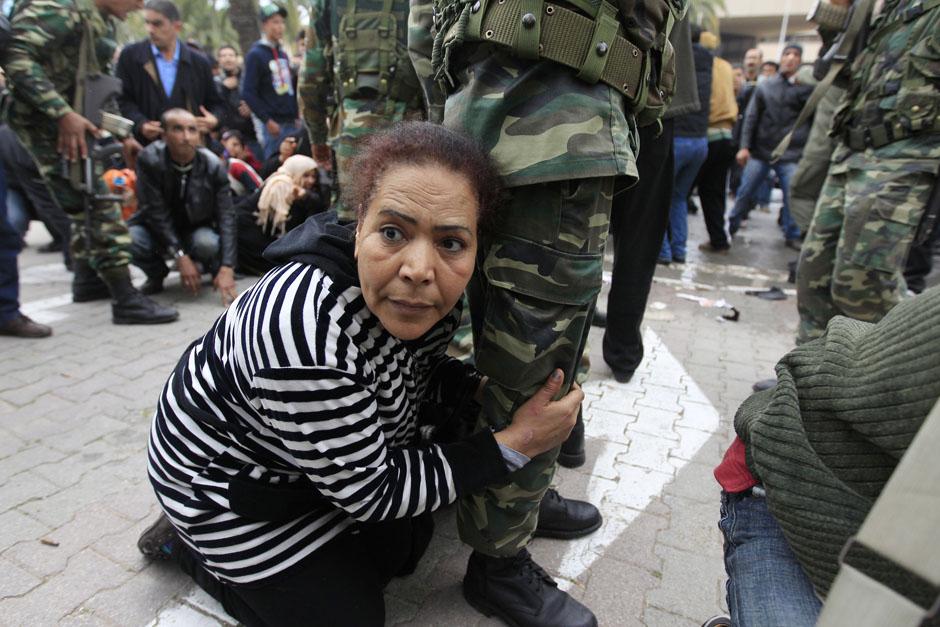 3117 Дневник фотографа: Зора Бенсемра арабская женщина фотокорреспондент