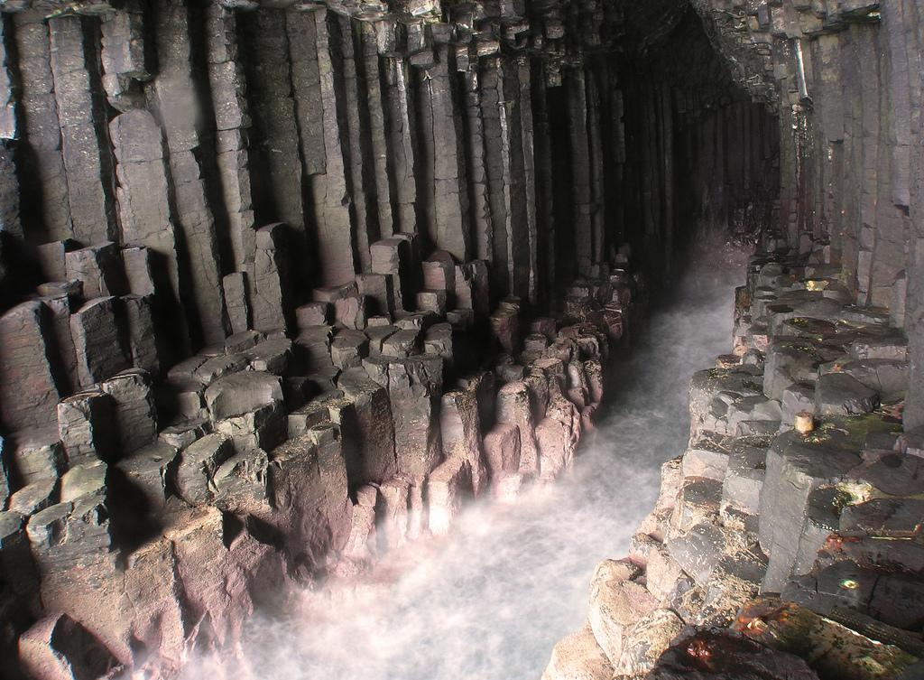 3121378846 0af860e5b1 b Поющая пещера Фингала