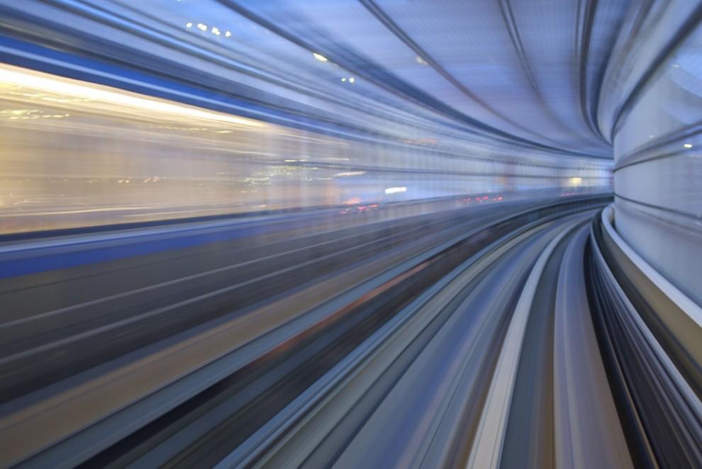 315 990x662 Японские поезда: Как поймать скорость?