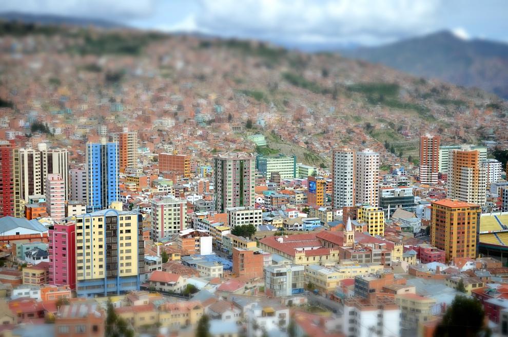 3203 Ла Пас   самая высокогорная столица мира с высоты