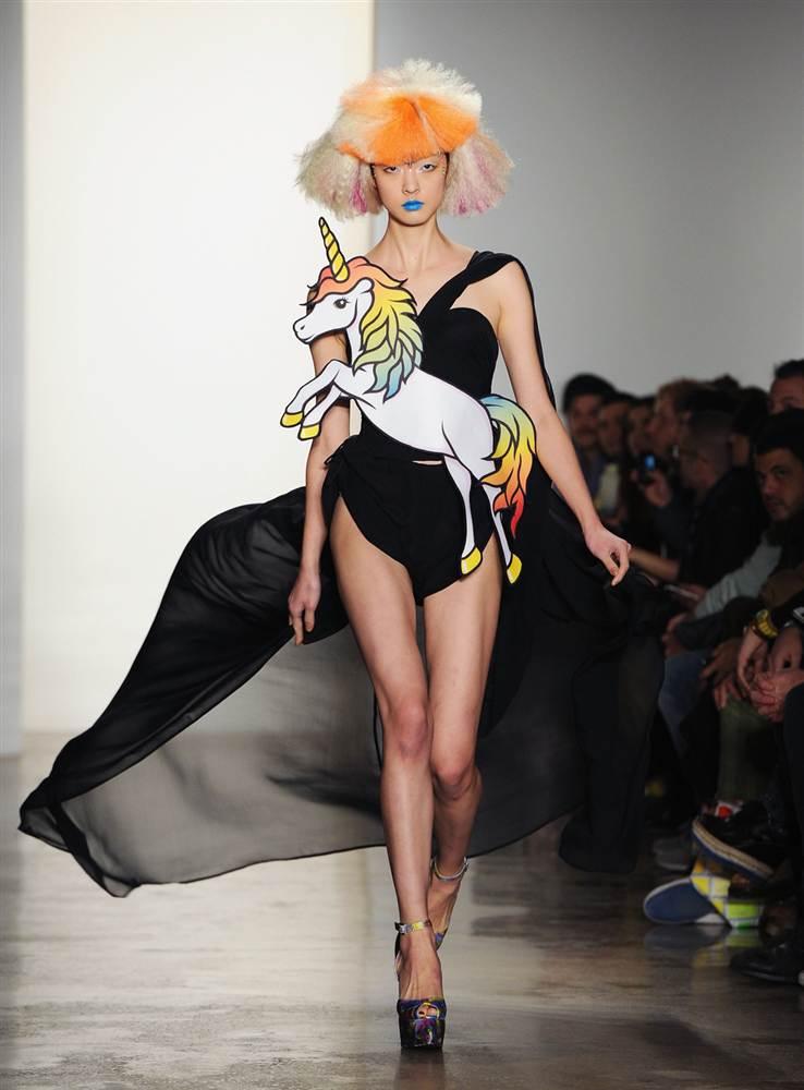 3204 Странные наряды на Нью йоркской неделе моды