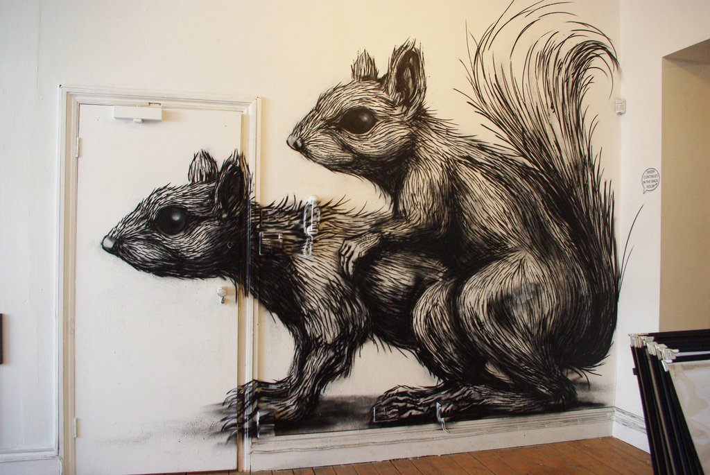 32700000 Животный стрит арт от бельгийского граффитчика ROA