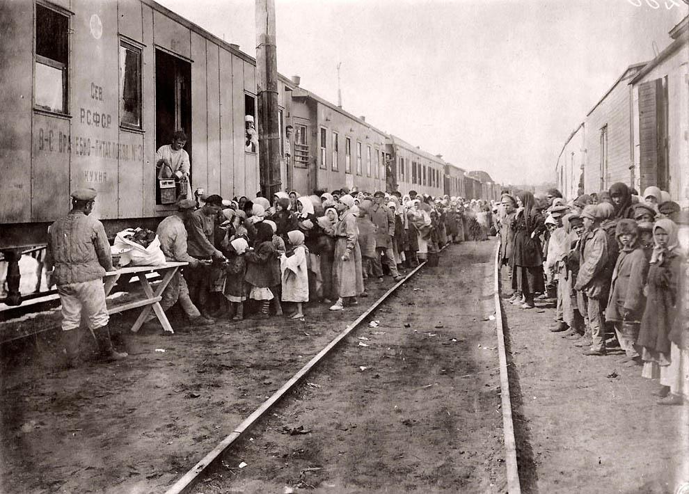 3418 Россия во мгле: 1921 1923 годы глазами западных фотокорреспондентов