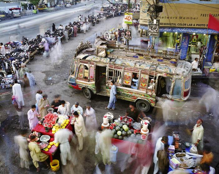 350.Work in Progress Karachi Суматоха больших городов в фотопроекте Metropolis