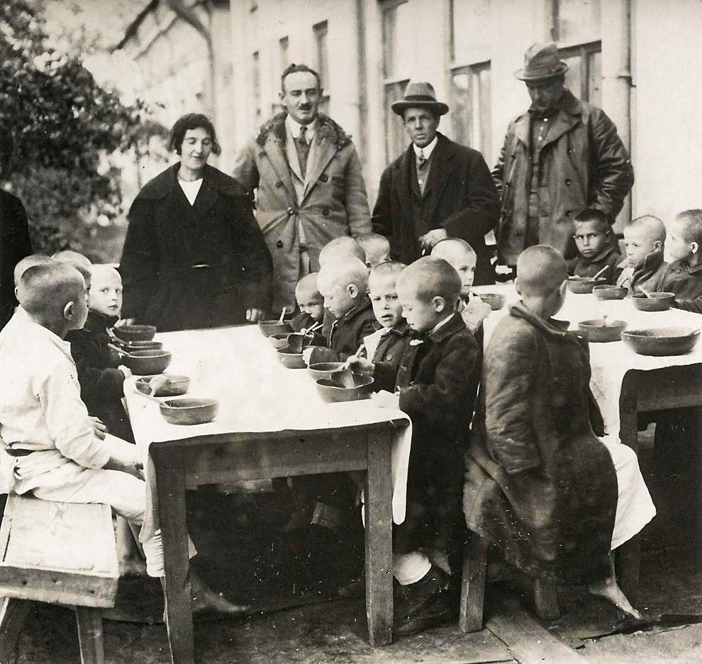 3615 Россия во мгле: 1921 1923 годы глазами западных фотокорреспондентов