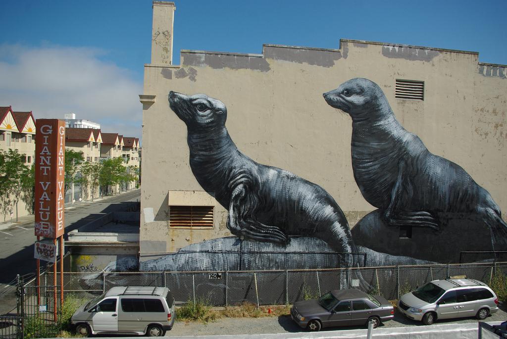 38300000 Животный стрит арт от бельгийского граффитчика ROA