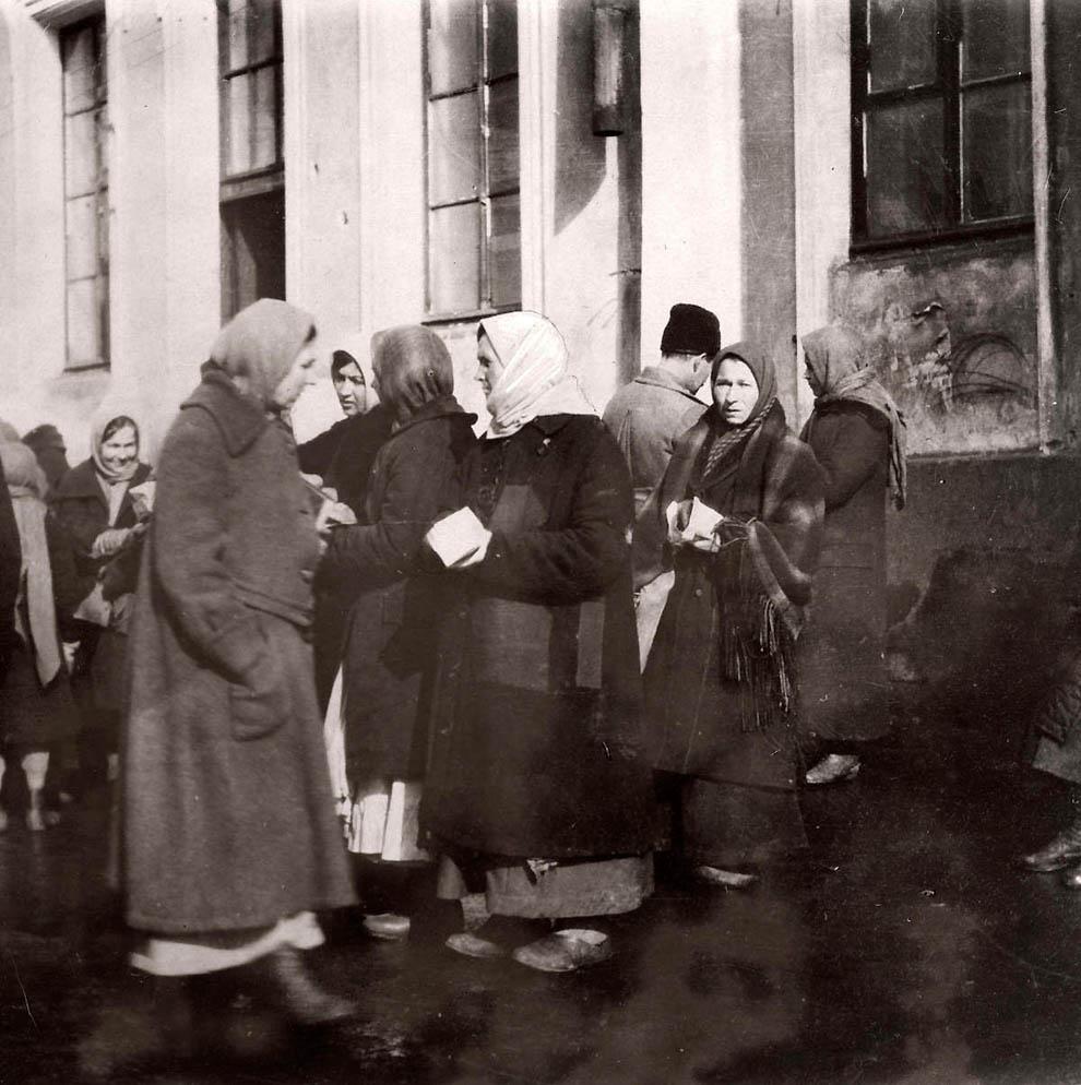 3912 Россия во мгле: 1921 1923 годы глазами западных фотокорреспондентов