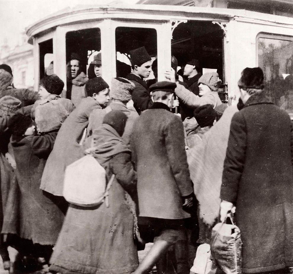4129 Россия во мгле: 1921 1923 годы глазами западных фотокорреспондентов
