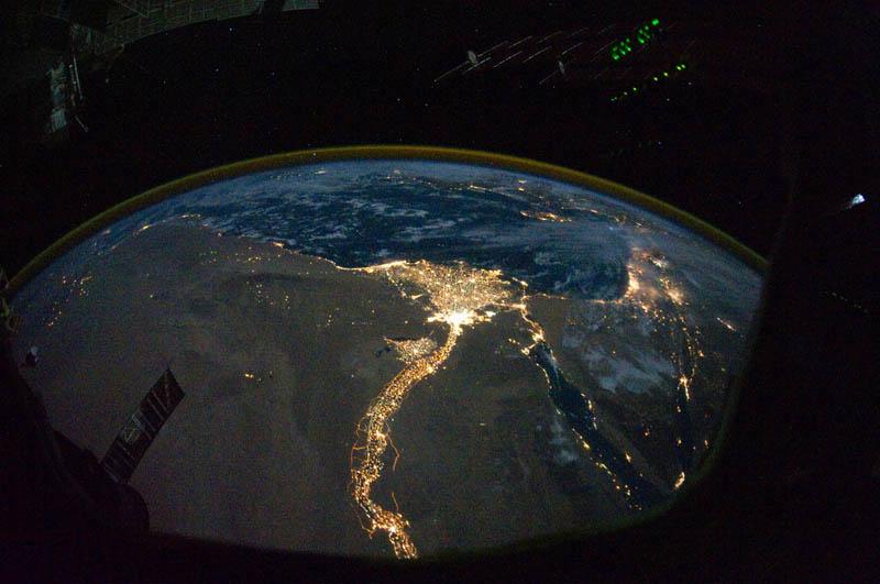 4158 Ночные города. Вид из космоса.