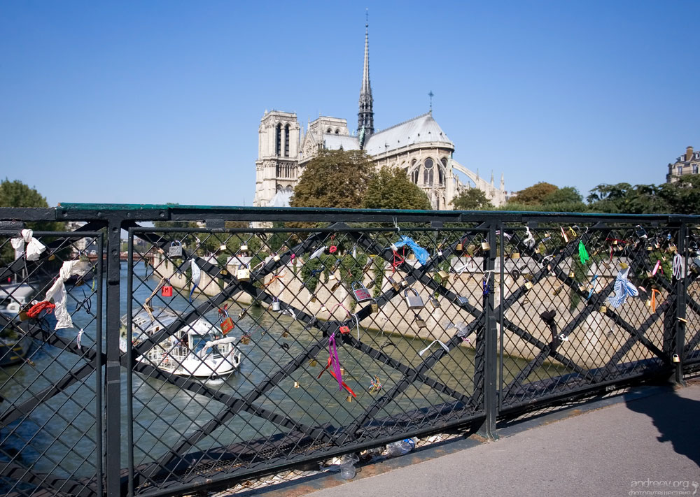 437 Париж: уличная жизнь