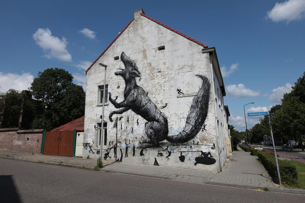 44200000 Животный стрит арт от бельгийского граффитчика ROA