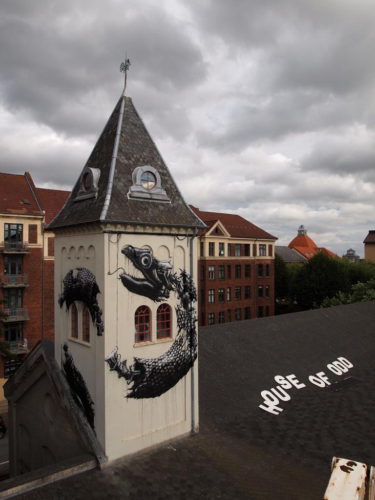 46100000 Животный стрит арт от бельгийского граффитчика ROA