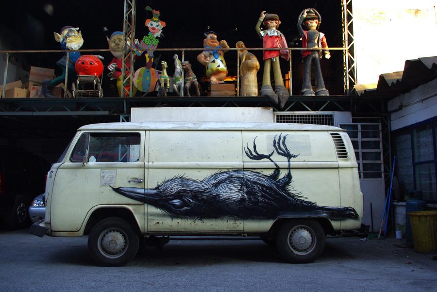 48100000 Животный стрит арт от бельгийского граффитчика ROA