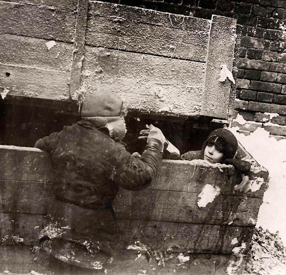 5114 Россия во мгле: 1921 1923 годы глазами западных фотокорреспондентов