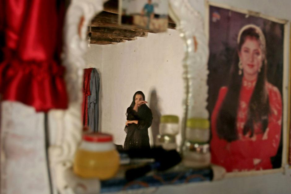 5311 Дневник фотографа: Зора Бенсемра арабская женщина фотокорреспондент
