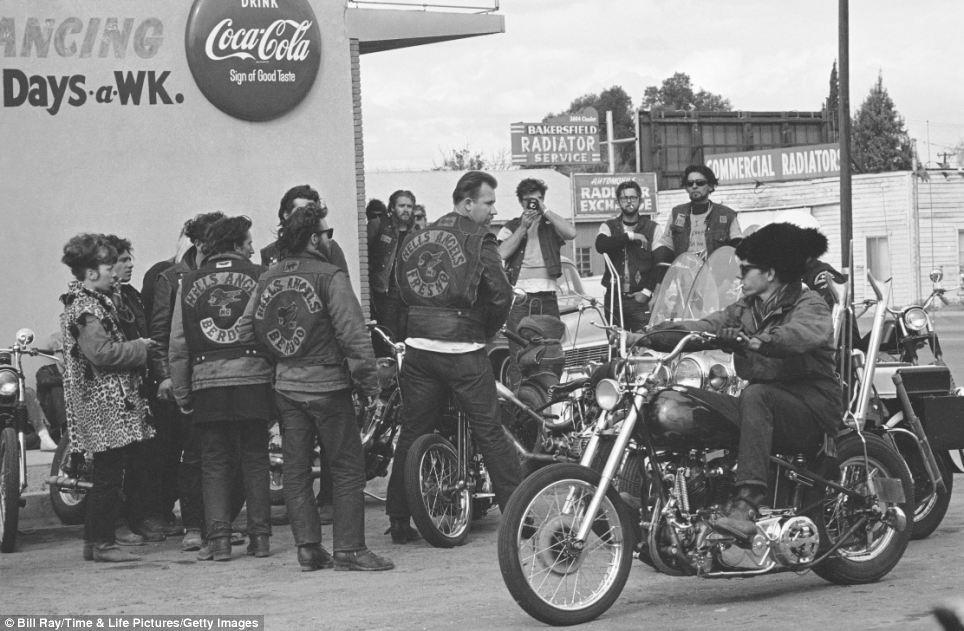 55 Фотографии байкерского клуба Ангелы ада, 1965 год