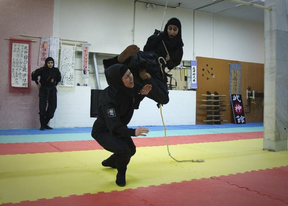 6118 Иранские женщины ниндзя