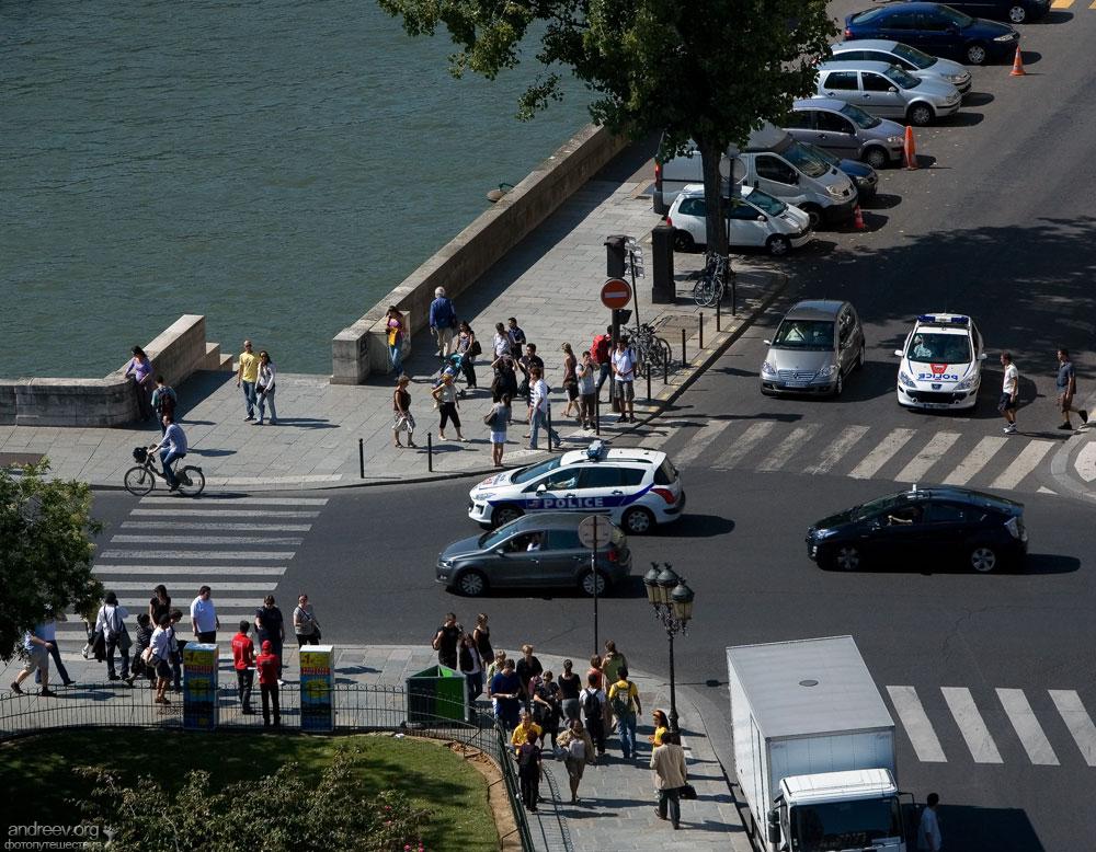 624 Париж: уличная жизнь