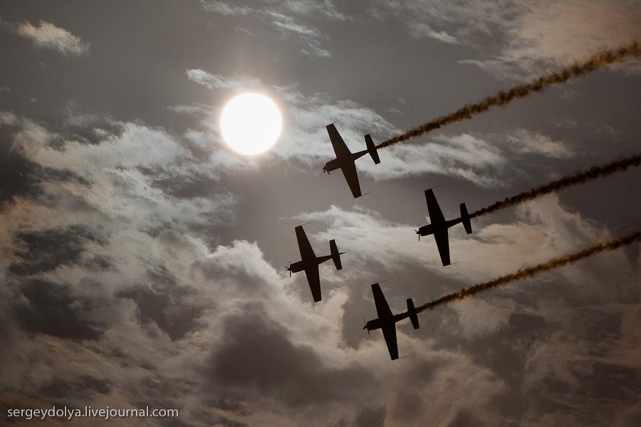 627 Авиасалон в Бахрейне: Фотографии, сделанные против солнца