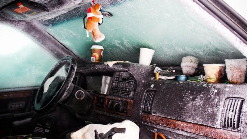 6556x 800x449 Швед выжил после 2 месяцев, проведенных в заваленной снегом машине