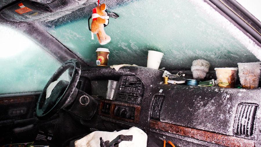 6556x Швед выжил после 2 месяцев, проведенных в заваленной снегом машине