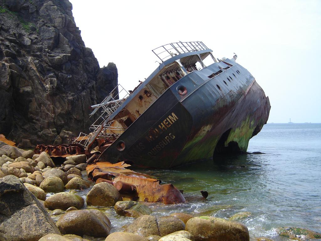 683 Живописные последствия кораблекрушений