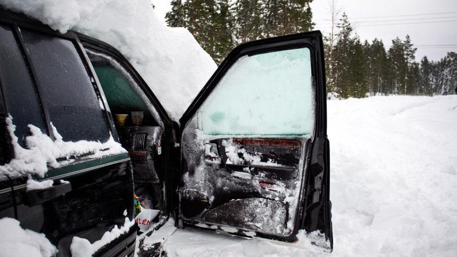729x Швед выжил после 2 месяцев, проведенных в заваленной снегом машине