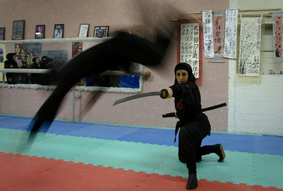 8103 Иранские женщины ниндзя