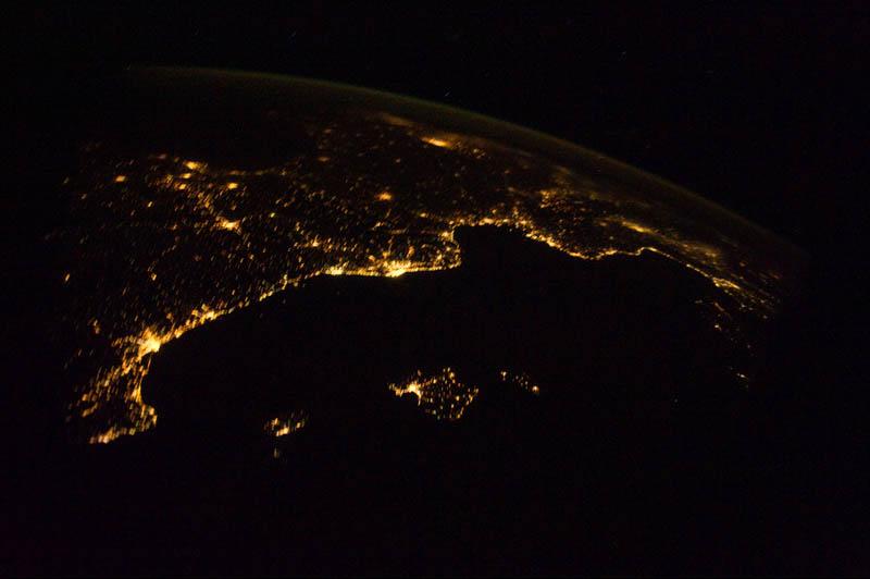 8107 Ночные города. Вид из космоса.