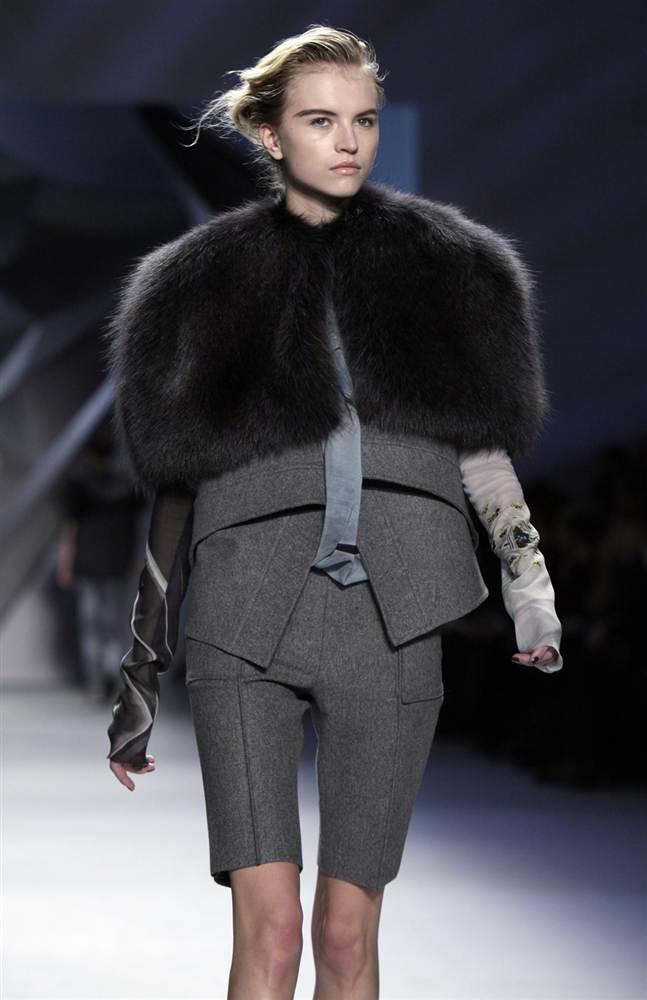 9121 Странные наряды на Нью йоркской неделе моды
