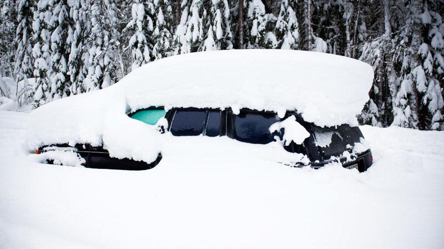 978x Швед выжил после 2 месяцев, проведенных в заваленной снегом машине