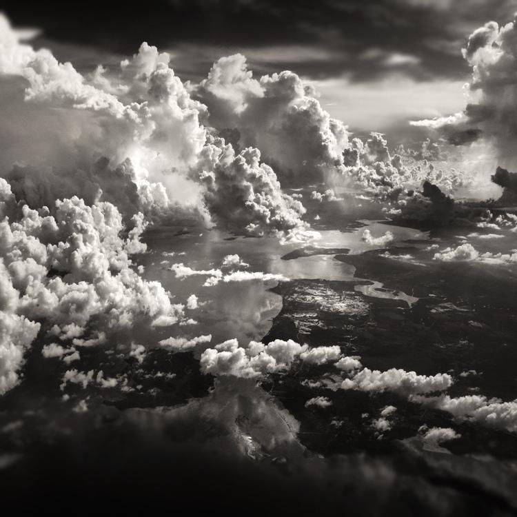 bandw13 Поэзия черно белой фотографии в работах Хенгки Коентжоро
