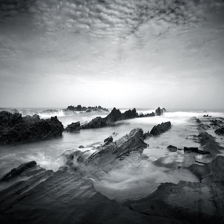 bandw17 Поэзия черно белой фотографии в работах Хенгки Коентжоро
