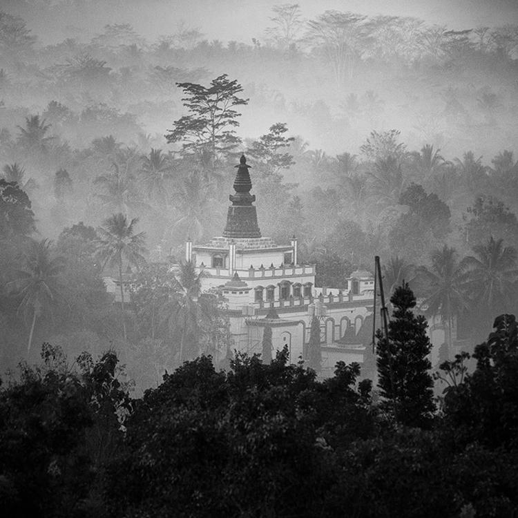 bandw21 Поэзия черно белой фотографии в работах Хенгки Коентжоро