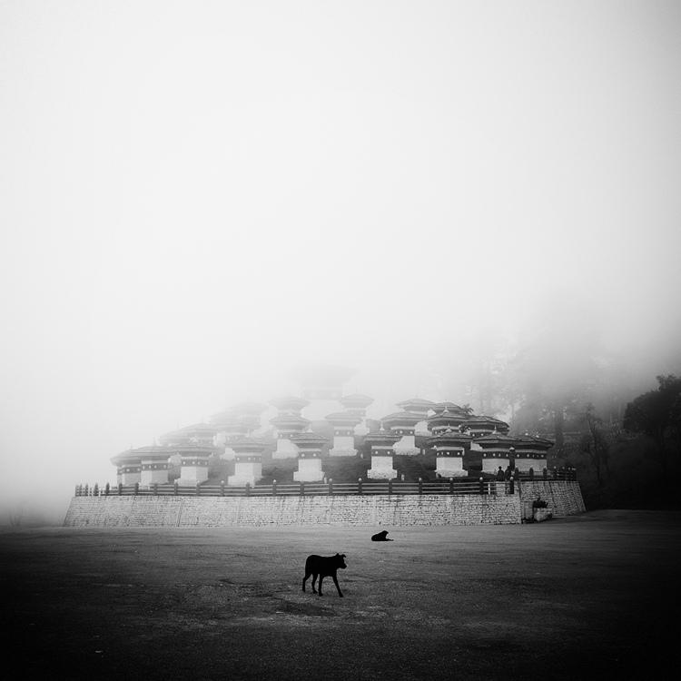 bandw27 Поэзия черно белой фотографии в работах Хенгки Коентжоро