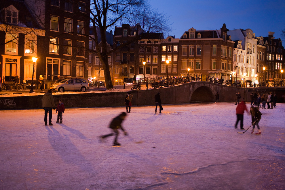 bp105 Весь мир катается на коньках
