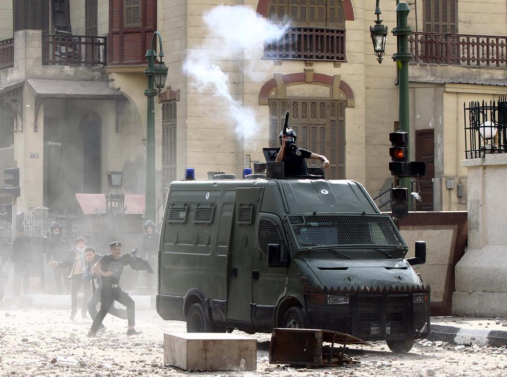 bp152 Египет: акции протеста после инцидента на футболе в Порт Саиде