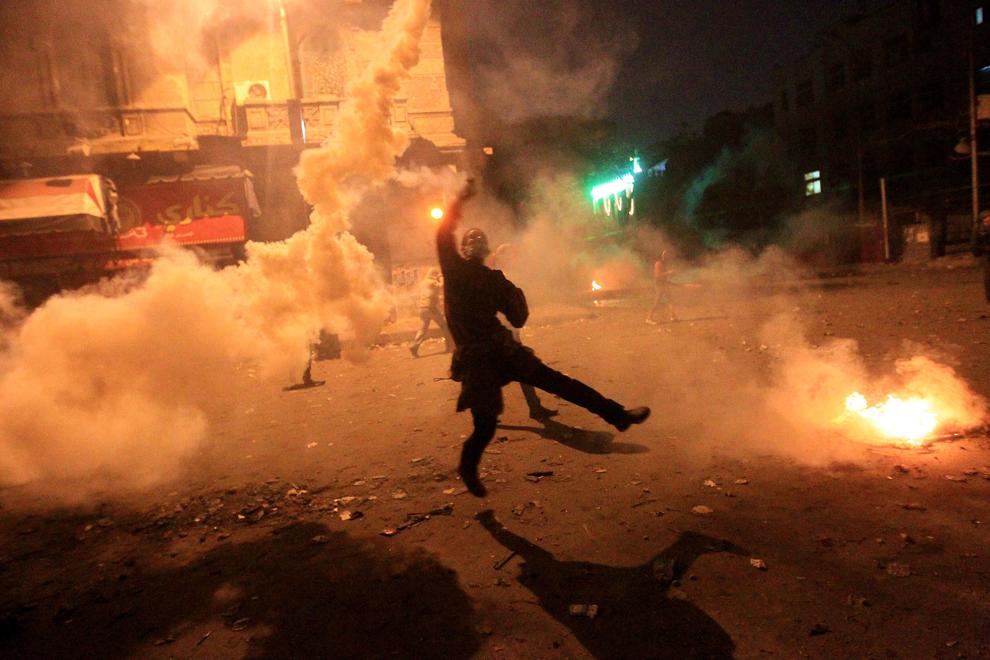 bp172 Египет: акции протеста после инцидента на футболе в Порт Саиде