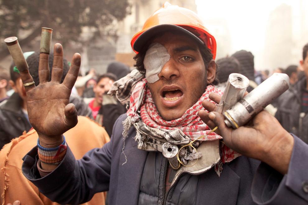 bp212 Египет: акции протеста после инцидента на футболе в Порт Саиде