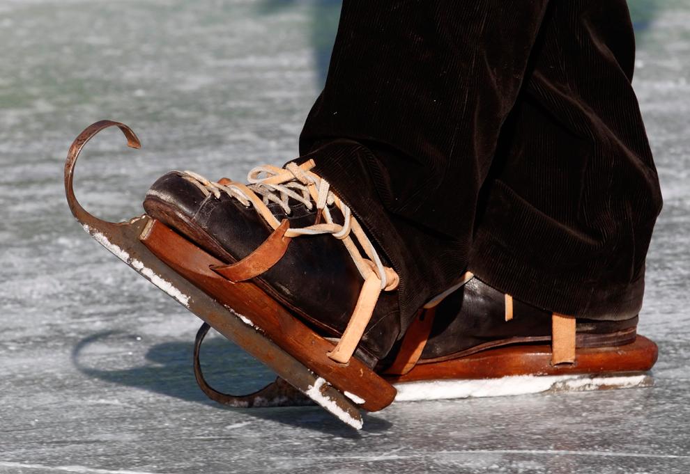 bp332 Весь мир катается на коньках