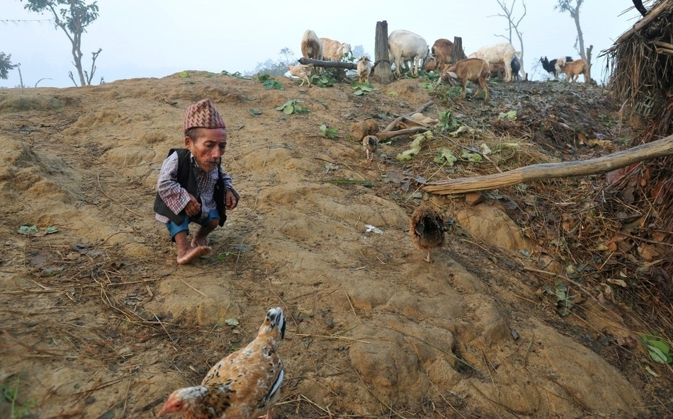 enhanceg Самый маленький человек найден в непальской деревне