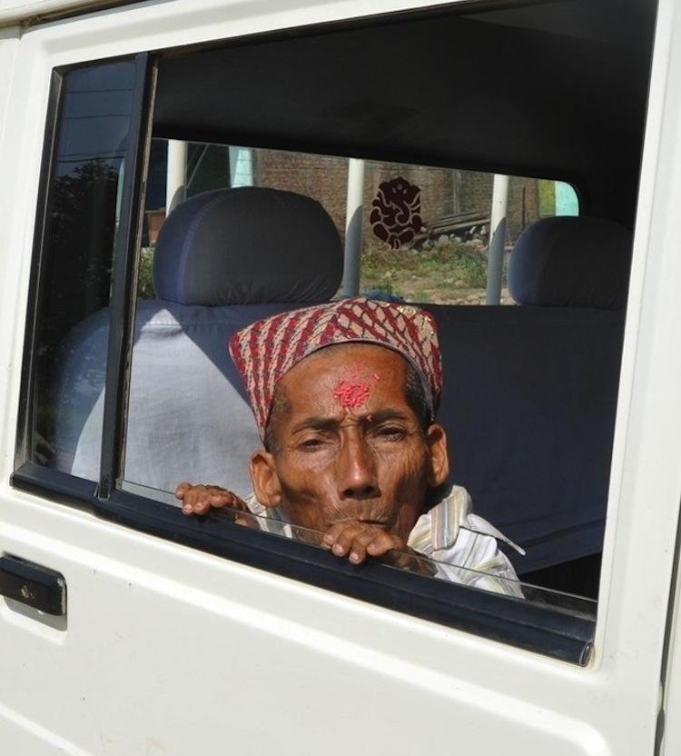 enhancem Самый маленький человек найден в непальской деревне