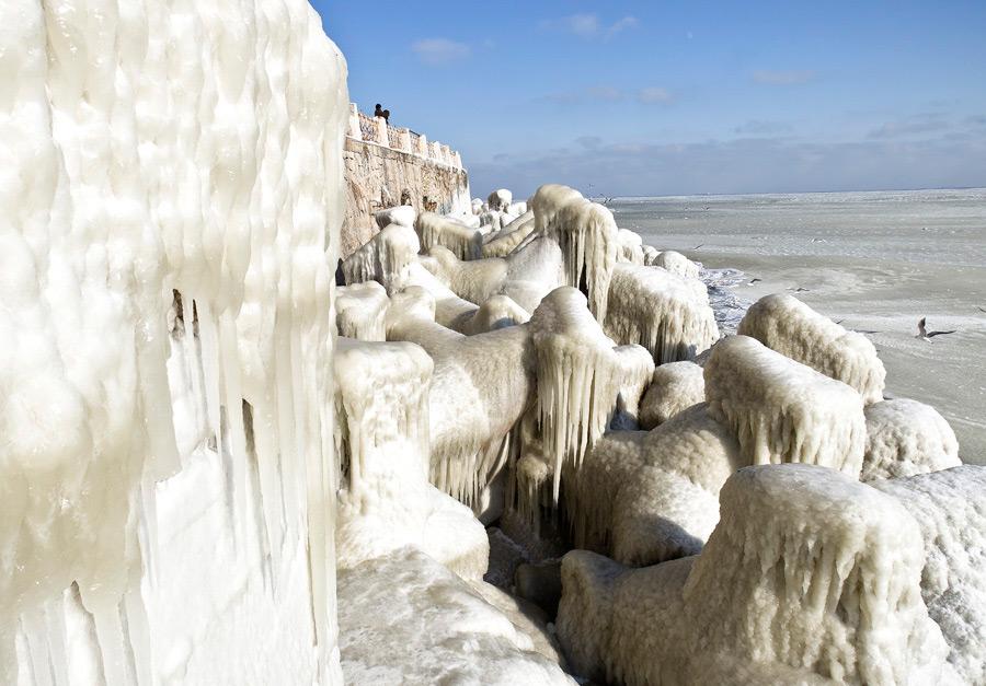 freeze12 Черное море впервые за 30 лет покрылось льдом