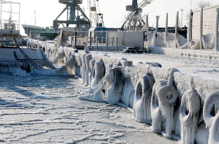 freeze16 Черное море впервые за 30 лет покрылось льдом