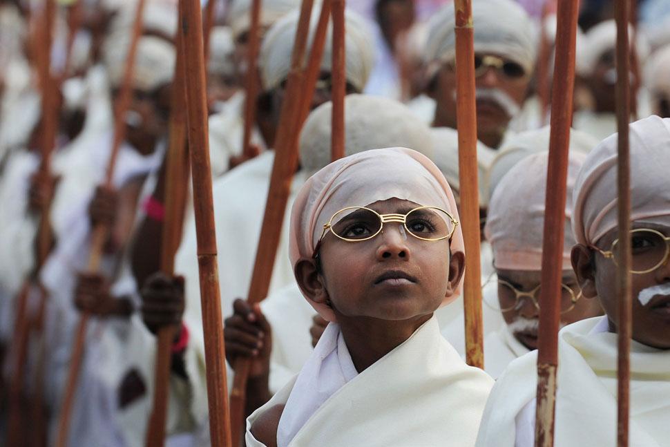 gandi01 В Калькутте состоялся марш маленьких Ганди