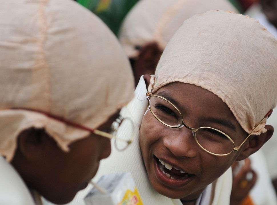 gandi03 В Калькутте состоялся марш маленьких Ганди